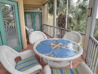 "Stay at the ""TRANQUIL HARBOR"" for your fall break. Low fall rates apply! - Sandestin vacation rentals"