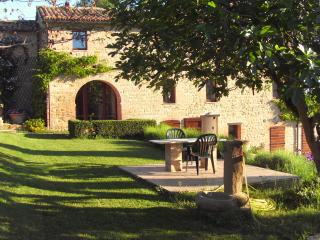 Casale delle Ginestre - Il Camino - San Ginesio vacation rentals