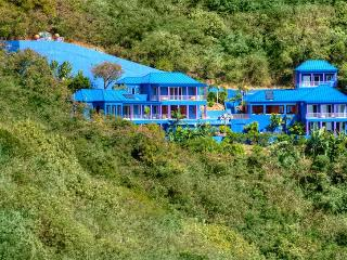 Superb 6 bedroom with impeccable design - South Side vacation rentals