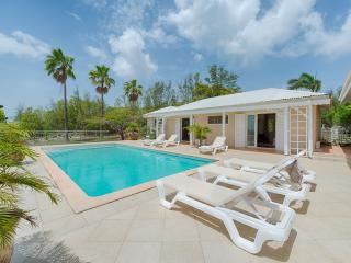 Madras - Ideal for Couples and Families, Beautiful Pool and Beach - Terres Basses vacation rentals