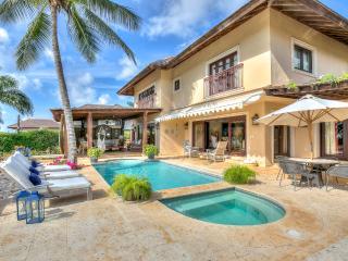 Peaceful villa in the world-famous Casa de Campo - Altos Dechavon vacation rentals