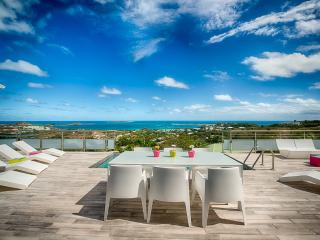 Topaze, a stylish contemporary 3 bedroom property. - Orient Bay vacation rentals