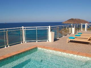 Ushuaia - Ideal for Couples and Families, Beautiful Pool and Beach - Flamands vacation rentals