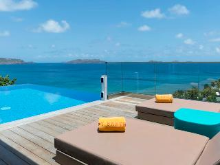Upside - Ideal for Couples and Families, Beautiful Pool and Beach - Pointe Milou vacation rentals