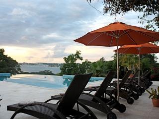 A Totally Luxurious Villa, well La-Di-Da! - Pelican Key vacation rentals