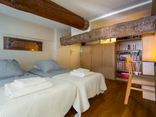 2 Place Massena - Nice vacation rentals