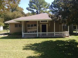 Beautiful Lake Texoma Rental with Free Guest House - Pottsboro vacation rentals
