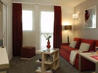 Cozy Montrouge Studio rental with Dishwasher - Montrouge vacation rentals