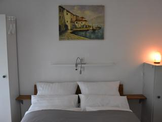 Romantic 1 bedroom Bad Windsheim Apartment with Internet Access - Bad Windsheim vacation rentals