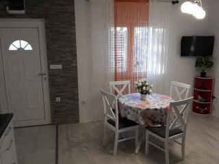 1 bedroom Apartment with Internet Access in Kastel Sucurac - Kastel Sucurac vacation rentals