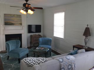 Beautiful downtown accommodations, walk everywhere - Charleston vacation rentals