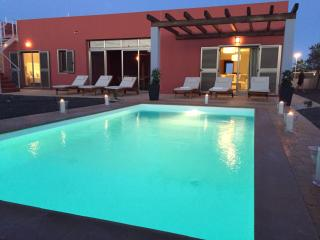 Villa Paradise, Sea views...private pool & garden. - Caleta de Fuste vacation rentals