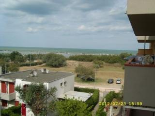 Sunny 2 bedroom Vacation Rental in Lido Adriano - Lido Adriano vacation rentals