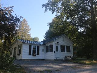 1 bedroom Cottage with Internet Access in Brandon - Brandon vacation rentals