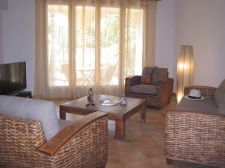 Location Calme Proximité des Plages et Commerces - Orient Bay vacation rentals