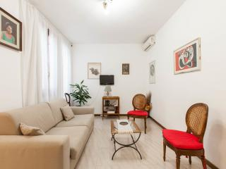 Piazza Pantheon - Madrigale - Rome vacation rentals