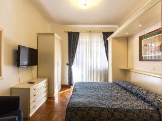 VATICAN - ELEGANT TERRACE PENTHOUSE -NO COMMISSION - Rome vacation rentals