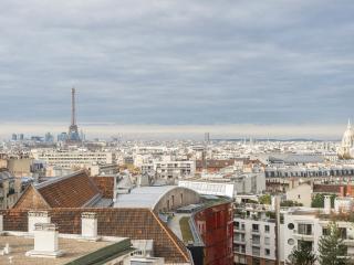 Eiffel Tower Tradition Apartment - Paris vacation rentals