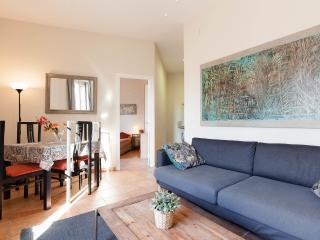 Gaudi-1: Bright apartment on Rambla Catalunya - Barcelona vacation rentals