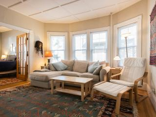 Sunny 2 Bedrooms Victorian Fully Furnished Condo - Boston vacation rentals