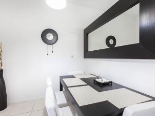 Miami studio for rent with WIFI & parking - Coconut Grove vacation rentals
