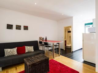 RED Passion Apartment Lisbon Lovers - Lisbon vacation rentals