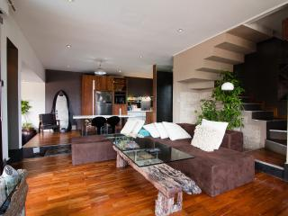 Villa Naree, 2 bedroom house, Batubelig, Seminyak - Kuta vacation rentals