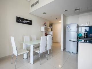 2 Bdr Ocean Heights front sea and Jumeira palm - Dubai vacation rentals