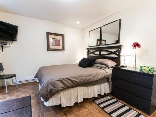 Well located Montreal Microsuite - Montreal vacation rentals