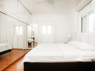 Raanana city center - 3BR with sun balcony -REF12 - Ra'anana vacation rentals