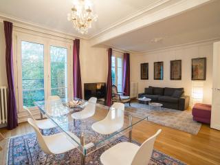 MOULIN LEPIC - Paris vacation rentals