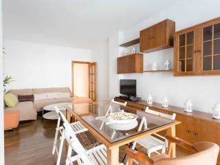 Valencia-Next To Pl. Catalunya-New Huge Beds - Barcelona vacation rentals