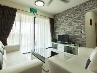Homestay @ City Center Kuala Lumpur KLIA Transfer - Kuala Lumpur vacation rentals