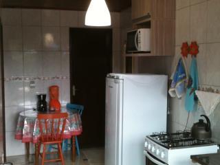 Apartamento 150m da praia da Armação - Pantano do Sul vacation rentals