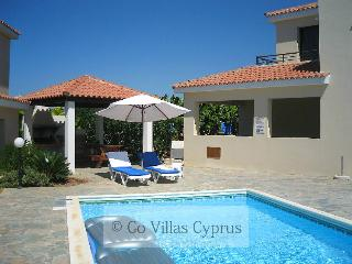Nice 3BR Villa,walking distance to beach,pool,wifi - Kissonerga vacation rentals