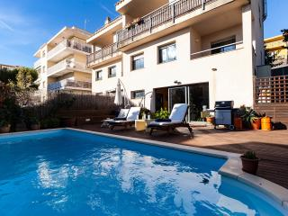 SITGES B&B WITH OWN PRIVATE POOL & LARGE LOUNGE - Sitges vacation rentals
