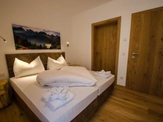 Bright 2 bedroom Condo in Neukirchen am Grossvenediger - Neukirchen am Grossvenediger vacation rentals