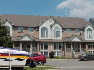 2bd/1.5bath 1300sqft Condo 15min to Downtown - Ottawa vacation rentals