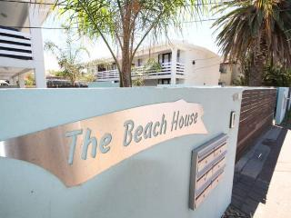 Comfortable 2 bedroom Condo in West Beach - West Beach vacation rentals