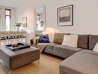 The Gallery - 6 bedrooms / 3 bathrooms - Amsterdam vacation rentals