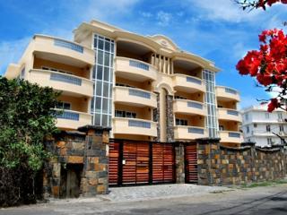 2 bedroom Condo with Internet Access in Blue Bay - Blue Bay vacation rentals