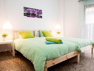 AI Ciutat Vella Apartment max 6p! - Valencia vacation rentals