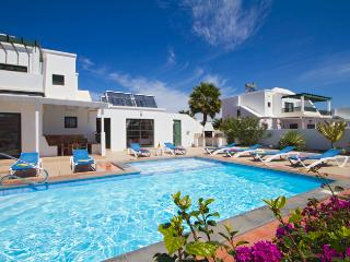 Villa Quintus - spacious private villa with Private Pool and Pool Table - Playa Blanca vacation rentals