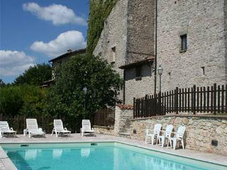 Torre medievale nelle campagne umbre - Grutti vacation rentals