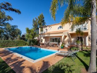 Beautiful 3 bedroom Villa in Estombar with Private Outdoor Pool - Estombar vacation rentals