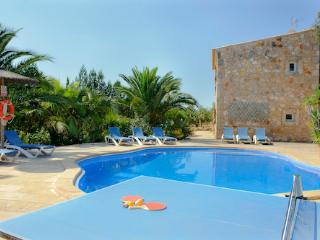 Bright 4 bedroom Villa in Cas Concos - Cas Concos vacation rentals