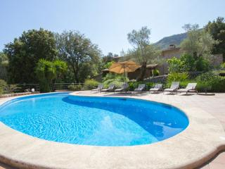 2 bedroom Villa with Internet Access in Escorca - Escorca vacation rentals