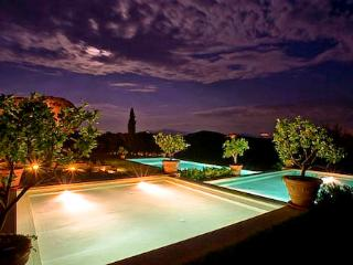 Spacious 9 bedroom Villa in Ribolla - Ribolla vacation rentals