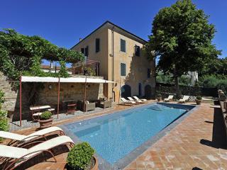 Comfortable 5 bedroom Villa in Fabbrica di Peccioli - Fabbrica di Peccioli vacation rentals