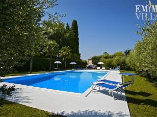 Charming 4 bedroom Potenza Picena Villa with Internet Access - Potenza Picena vacation rentals